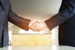 Концепция встречи партнерства дела Изображения бизнесменов стоковые изображения