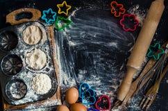 Концепция выпечки на темной предпосылке Стоковая Фотография