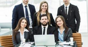 концепция в деле - профессиональная команда успеха дела в рабочем месте в офисе Стоковая Фотография