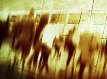 Концепция города вскользь часа пик людей идя коммутируя Стоковое фото RF
