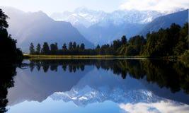 Концепция горы Mathewson Новой Зеландии озера Стоковое Изображение
