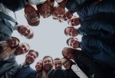 Концепция дела, людей и сыгранности - команда дела показывая о'кеы Стоковые Фото