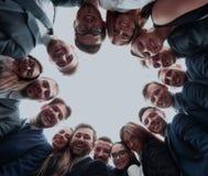 Концепция дела, людей и сыгранности - команда дела показывая о'кеы Стоковое Изображение RF