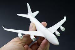 Концепция дела перемещения и воздушных перевозок или авиакомпании, человек h стоковое фото