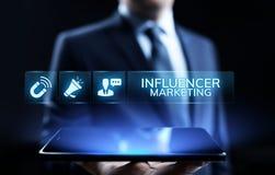 Концепция дела рекламы средств массовой информации маркетинга Influencer социальная на экране стоковые изображения