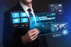 Концепция дела, технологии, интернета и сети Молодое busine Стоковое Изображение