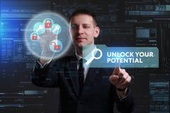 Концепция дела, технологии, интернета и сети Молодое busine стоковое изображение rf