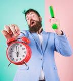 Концепция дисциплины дела Контроль времени и дисциплина Дисциплина и санкции Сигнал тревоги владением стороны босса агрессивный стоковые изображения rf