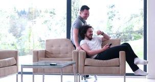 Концепция дома влюбленности пар гомосексуалиста Стоковые Изображения