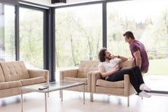 Концепция дома влюбленности пар гомосексуалиста Стоковые Изображения RF