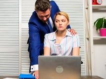 Концепция домогательства Выключатель безмолвия против домогательства Неприемлемое поведение на рабочем месте Запрещенные отношени стоковые фото
