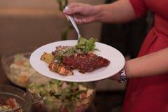 Концепция еды ресторанного обслуживании обедающего шведского стола Стоковое Фото