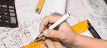 Концепция дела, архитектуры, здания, конструкции и людей Стоковое фото RF
