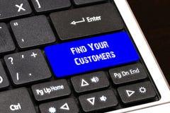 Концепция дела - голубая найдите ваша кнопка клиентов на тонком Стоковые Изображения