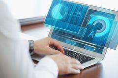 Концепция дела, технологии, интернета и сети Молодая шина Стоковое Изображение RF
