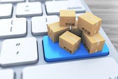 Концепция дела технологии доставки, поставки и снабжения промышленная: куча штабелированных коробок пакета рифлёного картона на п Стоковое Фото