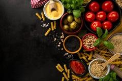 Концепция еды предпосылки еды с различным вкусным свежим ингридиентом Стоковое Изображение