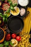 Концепция еды предпосылки еды с различным вкусным свежим ингридиентом Стоковые Изображения
