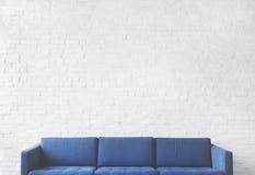 Концепция живущей комнаты мебели софы современная внутренняя Стоковые Фотографии RF