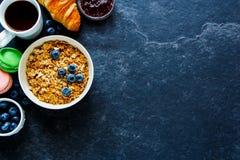 Концепция завтрака на таблице Стоковые Фотографии RF