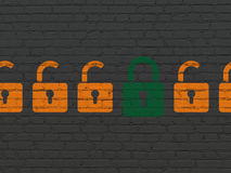 Концепция защиты: закрытый значок padlock на стене Стоковое Изображение