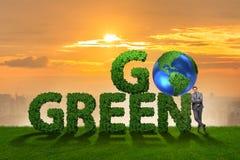 Концепция зеленого цвета идти экологическая с письмами Стоковые Изображения