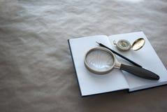 Концепция исследовать, образование, исследование, ища ответы стоковые фото