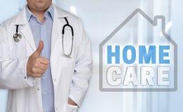 Концепция и доктор Homecare с большими пальцами руки вверх Стоковое Фото