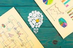 Концепция идеи - шарик составленный шестерней и эскизов Стоковые Изображения RF