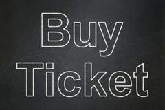 Концепция каникул: Купите билет на предпосылке доски бесплатная иллюстрация