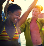 Концепция каникул летнего отпуска партии пляжа торжества людей стоковое изображение rf