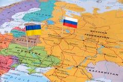 Концепция карты России и Украины отображает территория горячей точки защищая стоковая фотография rf