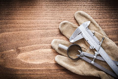 Концепция конструкции перчаток безопасности кожи рассекателя верньерного масштаба Стоковое Фото