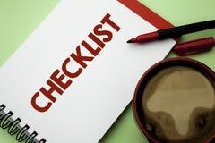 Концепция контрольного списока сочинительства текста почерка знача вопросник данным по обратной связи отчете о плана списка Todol Стоковое Изображение RF