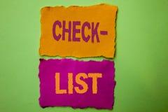 Концепция контрольного списока текста почерка знача вопросник данным по обратной связи отчете о плана списка Todolist отборный на Стоковая Фотография RF