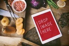 Концепция космоса экземпляра Vegan еды кухни таблетки цифров Стоковые Фото