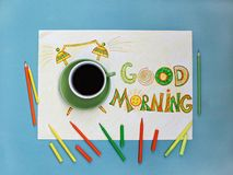 Концепция кофе и будильника доброго утра Чашка кофе с будильником нарисованным рукой Стоковые Изображения RF