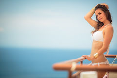 Концепция красоты, курорта и курорта - красивая, молодая женщина s Стоковые Изображения