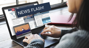 Концепция краткого информационного сообщения отчете о тенденций обновления стоковые изображения rf