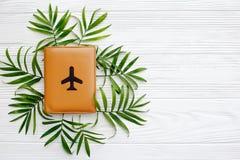 Концепция летних каникулов, плоское положение с космосом для текста пасспорт Стоковое Фото