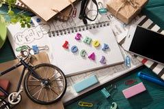 Концепция магазина местная - надпись на столе стоковые фотографии rf