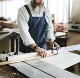 Концепция мастерской ремесленничества мастера плотника деревянная стоковые фото