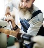Концепция мастерской ремесленничества мастера плотника деревянная стоковые изображения rf