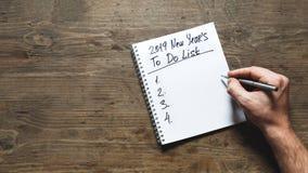 Концепция мотивации 2019 Новых Годов Люди a для того чтобы сделать список для nex стоковая фотография