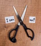 Концепция мотивировки собственной личности Ножницы и фраза я не могу Стоковые Изображения