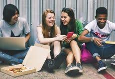 Концепция молодежной культуры деятельности при единения приятельства людей Стоковая Фотография