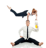 Концепция мульти-управления задачами - бизнесмен-акробатов стоковые фотографии rf