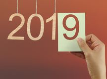 концепция начинать Новый Год 2019 на twilight backgroun неба Стоковое фото RF