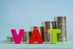 Концепция НДС (налога на добавленную стоимость) Алфавит НДС слова сделанный от древесины Стоковые Фотографии RF