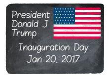 Концепция дня вступления президента в должность используя мел на классн классном шифера Стоковые Фото